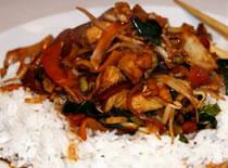 Jak zrobić kurczaka po chińsku z warzywami na patelni Wok