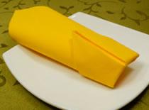 Jak ozdobić stół - składanie serwetek w kieszonkę
