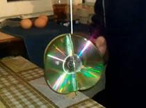 Jak zrobić bombkę z płyt CD lub DVD