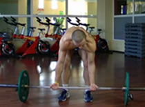 Jak wykonywać ćwiczenia pleców - wiosłowanie sztangą