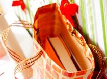 Jak zapakować prezent - torebka na prezenty