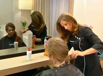Jak zrobić lekkie loki na bardzo długich włosach