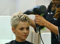 Jak zrobić fryzurę w stylu wokalistki Roxette