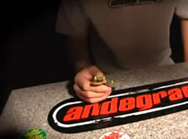 Jak wykonać kickflip - szkoła fingerboard