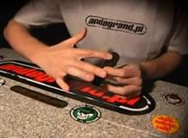 Jak wykonać Varial Kickflip - szkoła fingerboard