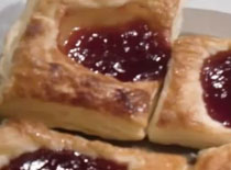 Jak zrobić ciastka francuskie z dżemem