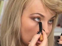 Jak wykonać make up na pokaz mody