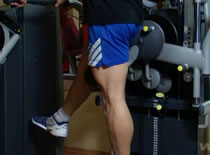 Jak wykonywać ćwiczenia na nogi - prostowanie nogi w tył