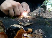 Jak rozpalić ognisko krzesiwem