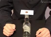 Jak wykonać sztuczkę z wizytówką i monetą