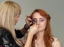 Jak zrobić makijaż karnawałowy w fiolecie