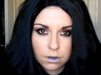 Jak wykonać makijaż na Halloween - sexy czarownica