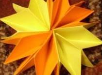 Jak zrobić kwiatka z 6 kwadratowych kartek