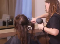 Jak wykonać elegancką stylizację włosów