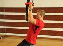 Jak ćwiczyć różne mięśnie - negatywne powtórzenia podciągania
