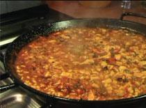 Jak przygotować hiszpańskie danie Paella