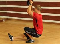 Jak wykonywać ćwiczenia nóg - pistolet z TRX