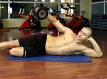 Jak robić ćwiczenia na barki - sztangielki w leżeniu