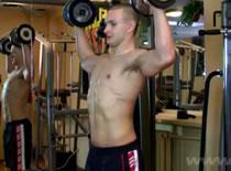 Jak robić ćwiczenia na barki - rotacja zewnętrzna ramion