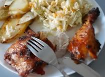 Jak zrobić obiad - pieczony kurczak na butelce piwa