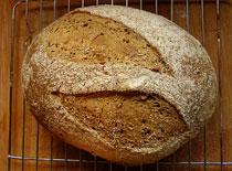 Jak zrobić zdrowy pszenno-żytni chleb na zakwasie