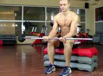 Jak wykonać trening przedramion - nadgarstki i sztanga