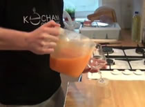 """Jak zrobić sok marchwiowy """"Kubuś"""""""