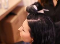 Jak delikatnie rozjaśnić włosy
