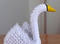 Jak zrobić piękną ozdobę - łabędź z papieru
