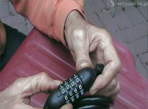 Jak zmienić szyfr w zabezpieczeniu rowerowym