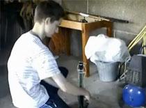 Jak zrobić bezpieczną wyrzutnię do rakiet wodnych
