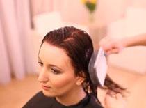 Jak przyciemnić włosy za pomocą farby