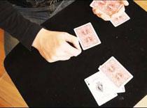 """Jak wykonać sztuczkę """"Magiczne 3 karty"""""""