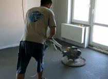 Jak maszynowo wykonać wylewkę betonową posadzki
