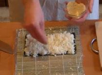 Jak zrobić odwrócone Maki Sushi