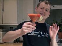 Jak zrobić orzeźwiający koktajl truskawkowy
