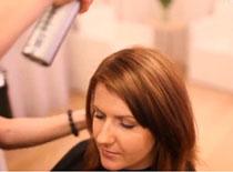 Jak zafarbować włosy i podciąć końcówki