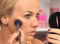 Jak zrobić makijaż muśnięty słońcem