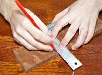 Jak używać narzędzi do trasowania na drewnie