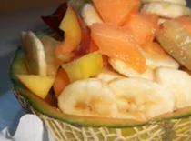 Jak zrobić egzotyczną przekąskę owocową w melonie