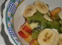 Jak zrobić lekki i słodki deser owocowy