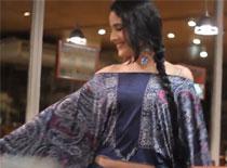 Jak zrobić modną bluzkę z długimi rękawami