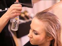 Jak wykonać elegancką fryzurę z długich włosów