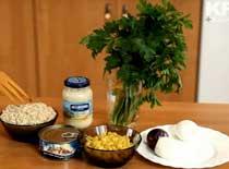 Jak zrobić sałatkę z tuńczykiem - dieta wysokobiałkowa