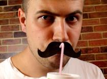 Jak zrobić słomki z wąsami