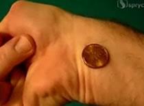 Jak obracać monetę nadgarstkiem