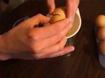 Jak oddzielić żółtko od białka za pomocą lejka