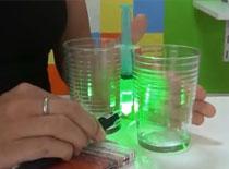 Jak zrobić mikroskop z lasera i kropli wody