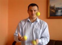 Jak synchronizować półkule mózgowe - nauka żonglowania