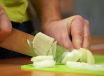 Jak kroić cebulę bez płaczu